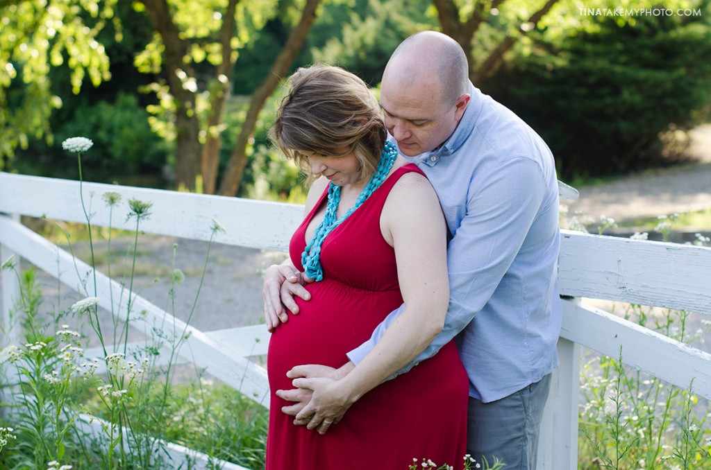 sunny-sweet-outdoor-country-maternity-photography-virginia (3)
