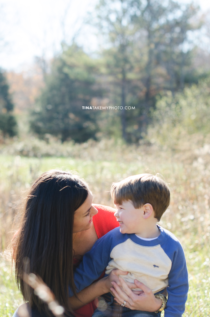 Richmond-Goochalnd-Sunny-Winter-Farm-Family-Mom-Son-Photographer (17)