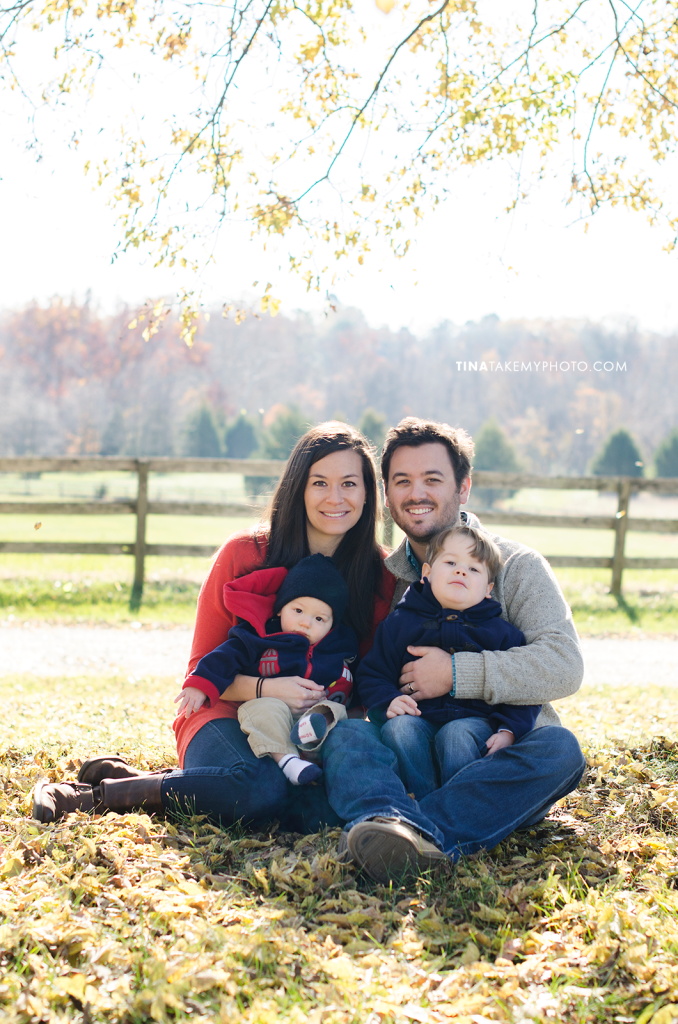 Richmond-Goochalnd-Sunny-Winter-Farm-Family-Session-Photographer (3)