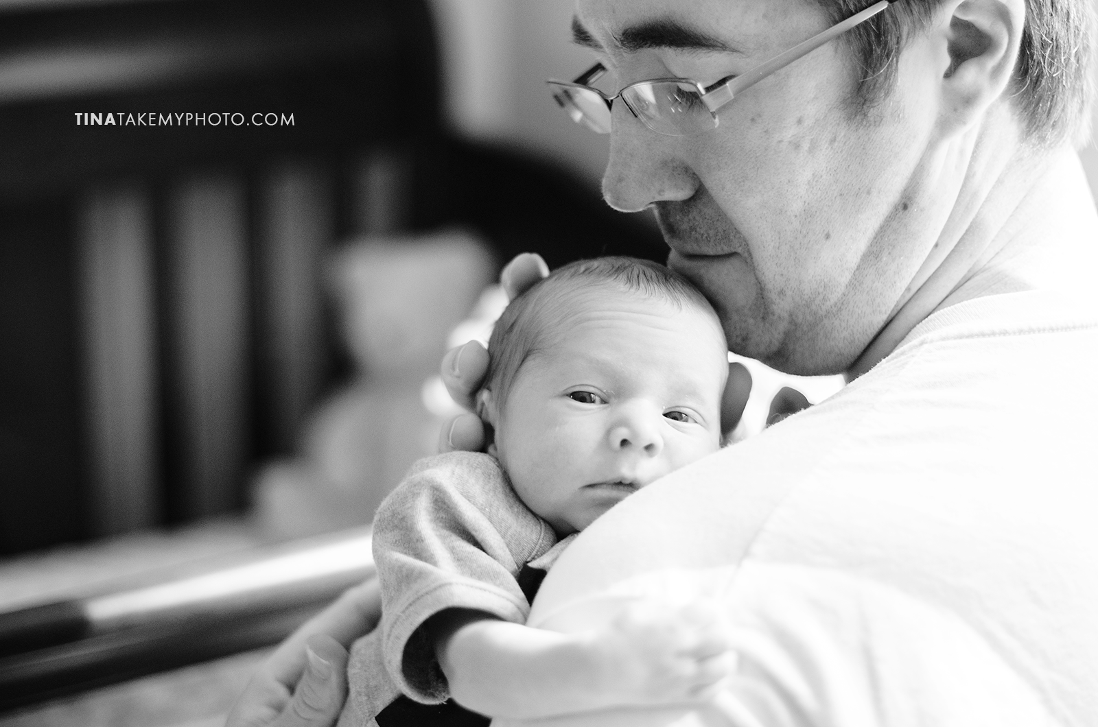 Richmond-Virginia-Newborn-Twins-Photographer-Daddy-Baby (13)