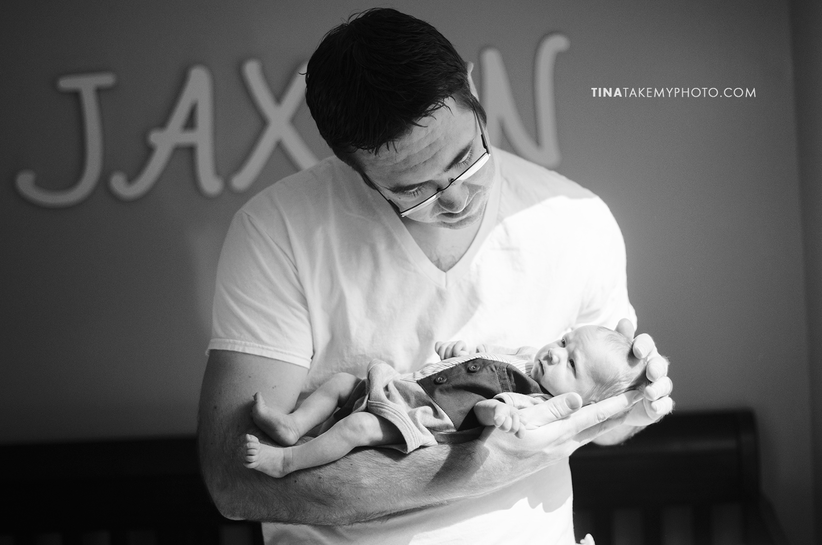 Richmond-Virginia-Newborn-Twins-Photographer-Daddy-Baby(11)