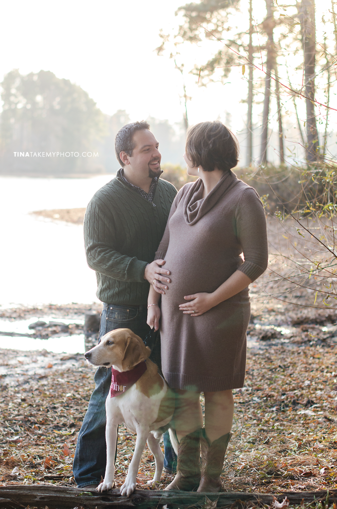 Richmond-Woodlake-Winter-Maternity-Dog-Photographer (8)