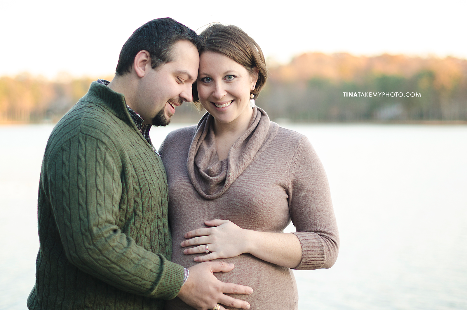 Richmond-Woodlake-Winter-Maternity-Photographer (19)