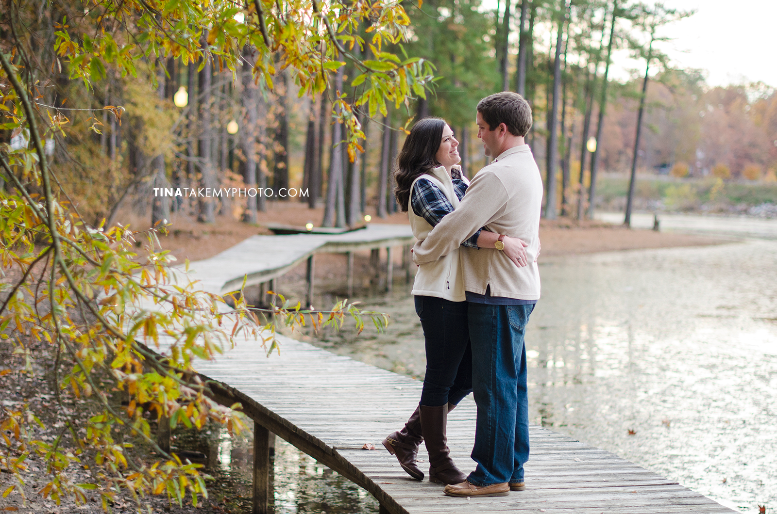 Midlothian-Swift-Creek-Woodlake-Engagement-Photographer-Fall-Woods (24)