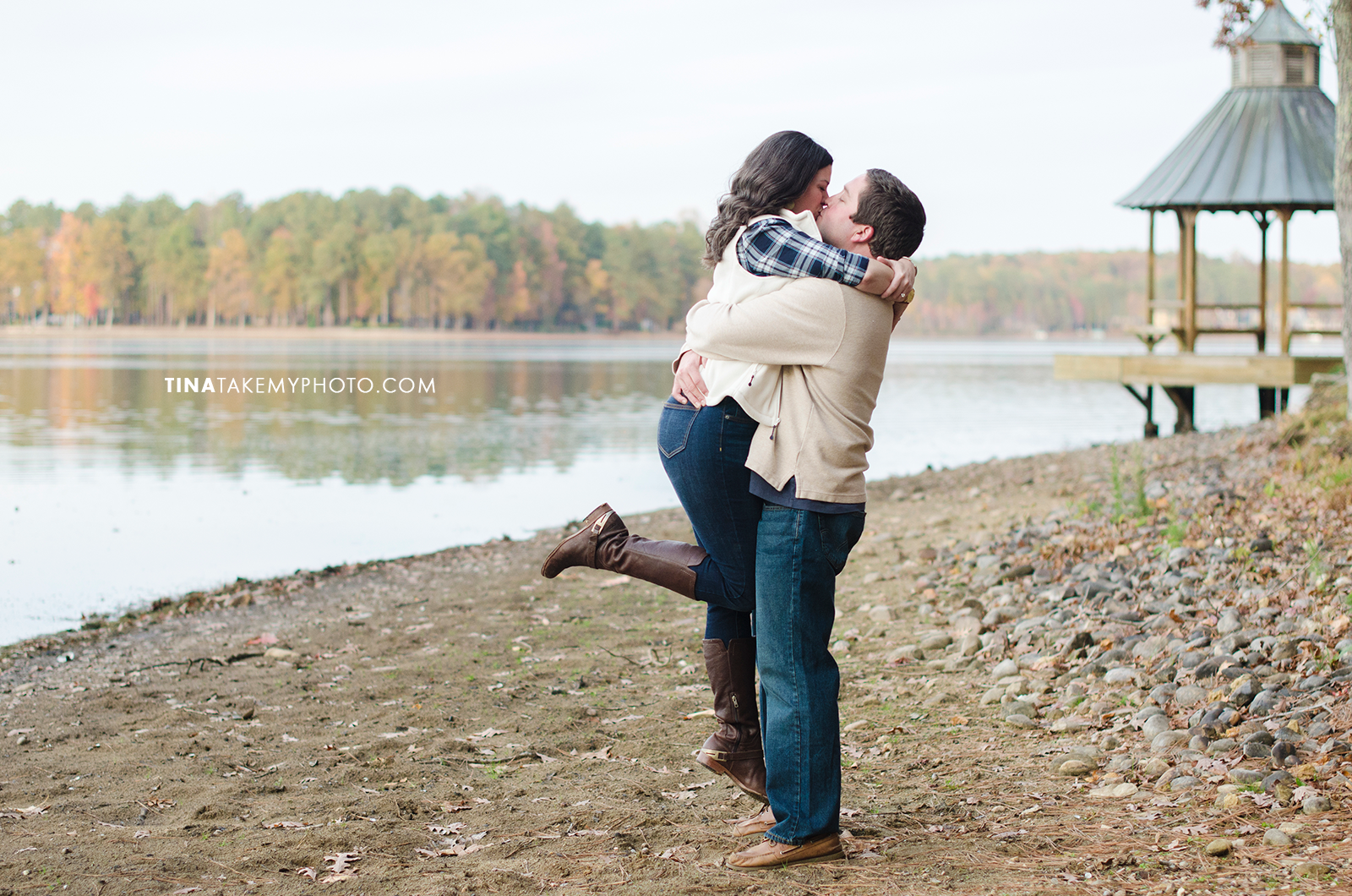 Midlothian-Swift-Creek-Woodlake-Engagement-Photographer-Fall-Woods (25)