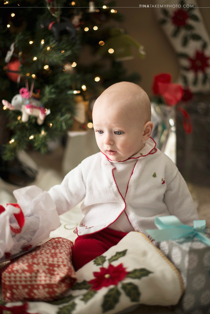 Midlothian-Richmond-VA-Family-Baby-First-Christmas-Tree-Presents-Bokeh-Holiday-Photo-Session-Photography (7)