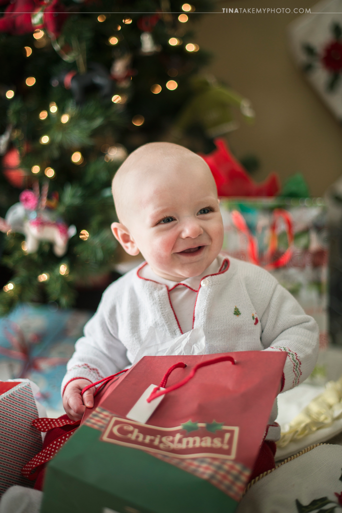 Smiling-Midlothian-Richmond-VA-Family-Baby-First-Christmas-Tree-Presents-Bokeh-Holiday-Photo-Session-Photography (9)