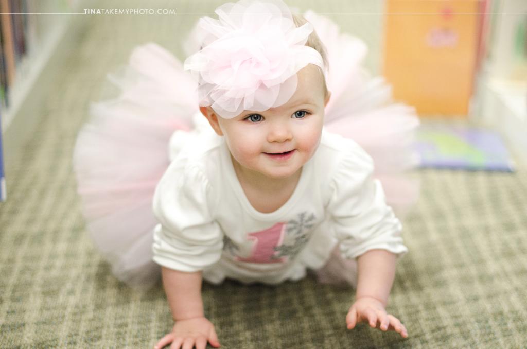 1-year-family-baby-photographer-library-books-chesterfield-virginia-rva-photographer-02