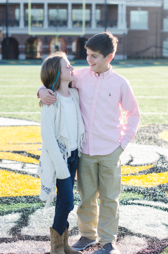 VA-virginia-family-photographer-kids-children-siblings-sunny-ashland-randolph-macon-field
