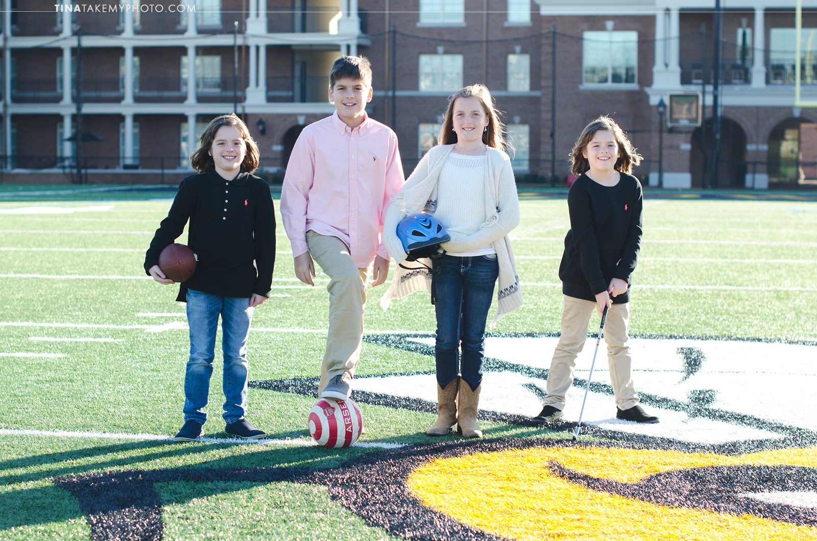 VA-virginia-family-photographer-kids-children-siblings-sunny-ashland-randolph-macon-field-sports-01