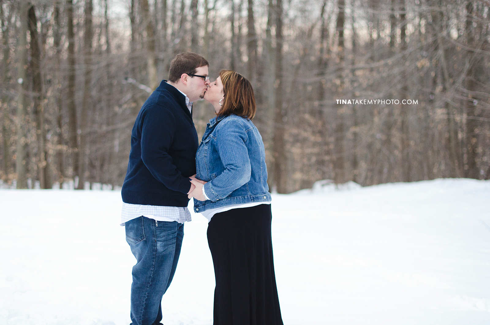 Have-De-Grace-Maternity-Maryland-Winter-Snow-Baby-Bump-Photographer-MD-VA (13)