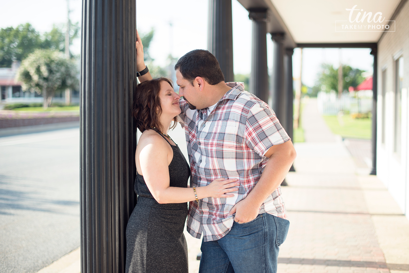 Maryland-Engagement-Wedding-Photographer-Sunny-Summer-Leonardtown-Photo-Session-13