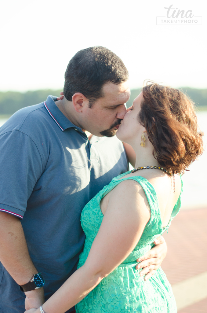 Maryland-Engagement-Wedding-Photographer-Sunny-Summer-Leonardtown-Photo-Session-Waterfront-02