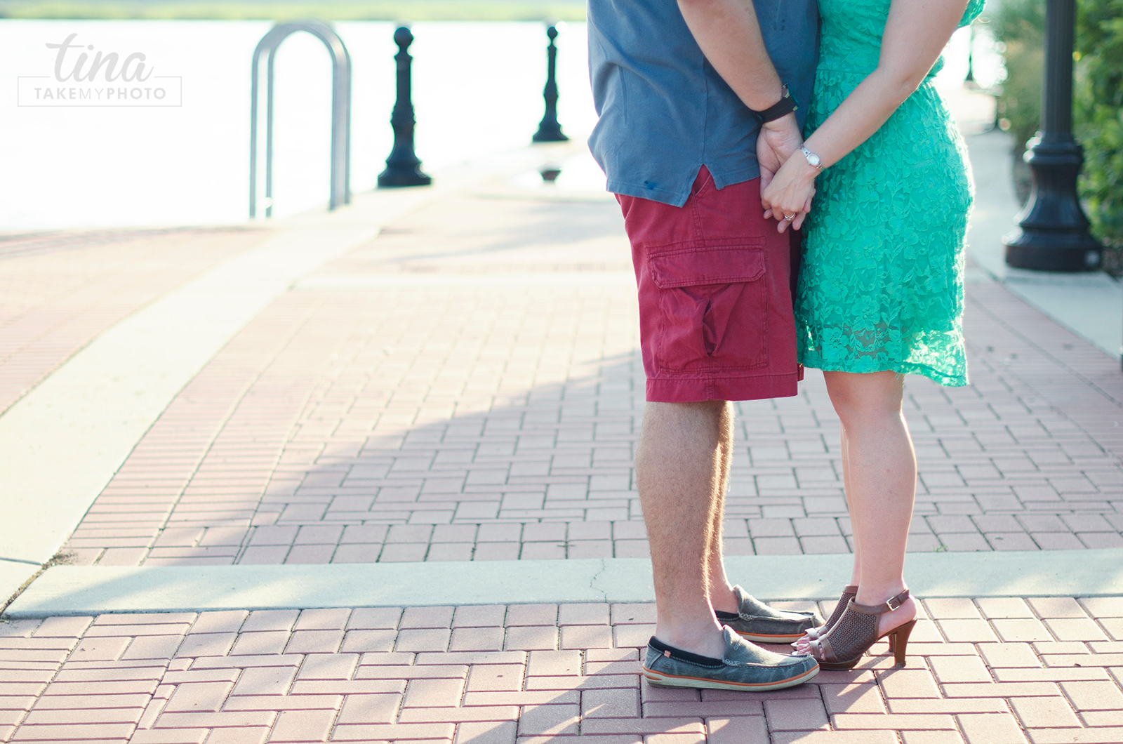 Maryland-Engagement-Wedding-Photographer-Sunny-Summer-Leonardtown-Photo-Session-Waterfront-03