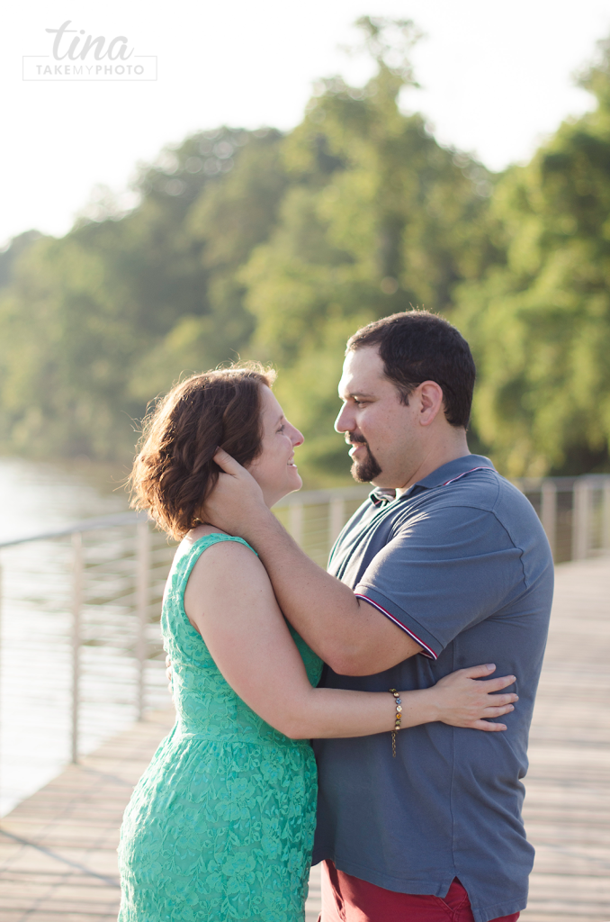Maryland-Engagement-Wedding-Photographer-Sunny-Summer-Leonardtown-Photo-Session-Waterfront-05