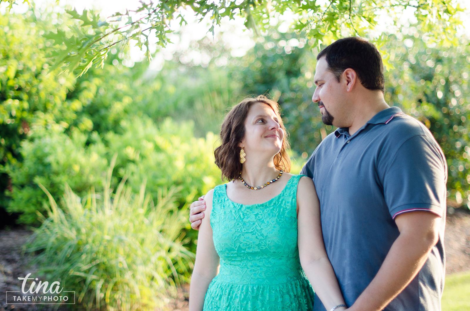 Maryland-Engagement-Wedding-Photographer-Sunny-Summer-Leonardtown-Photo-Session-Waterfront-10