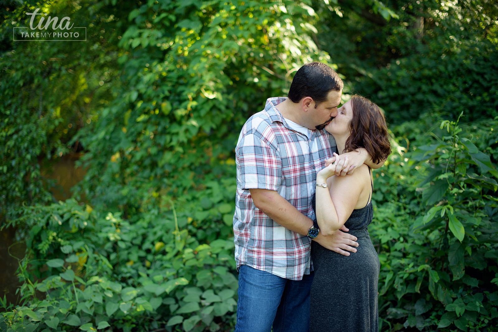 Maryland-Engagement-Wedding-Photographer-Sunny-Summer-Leonardtown-Photo-Session-Waterfront-13