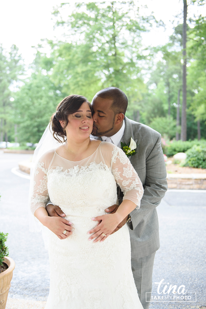 wedding-photographer-bride-groom-portrait-summer-brandermill-country-club-virginia-4-rain