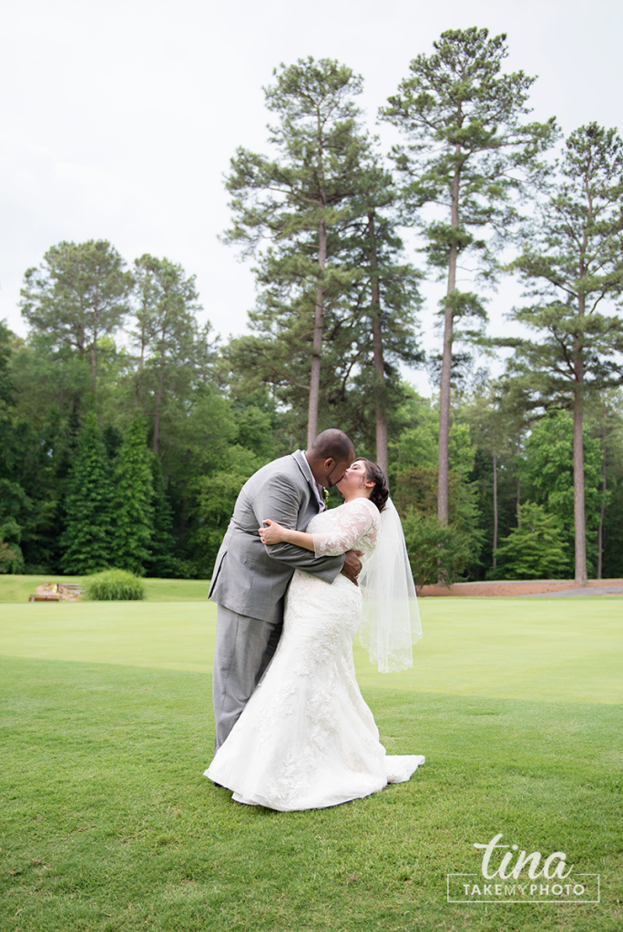wedding-photographer-bride-groom-portrait-summer-brandermill-country-club-virginia-6-rain