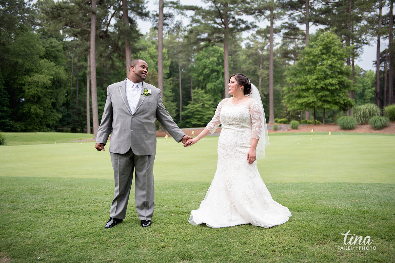 wedding-photographer-bride-groom-portrait-summer-brandermill-country-club-virginia-7-rain