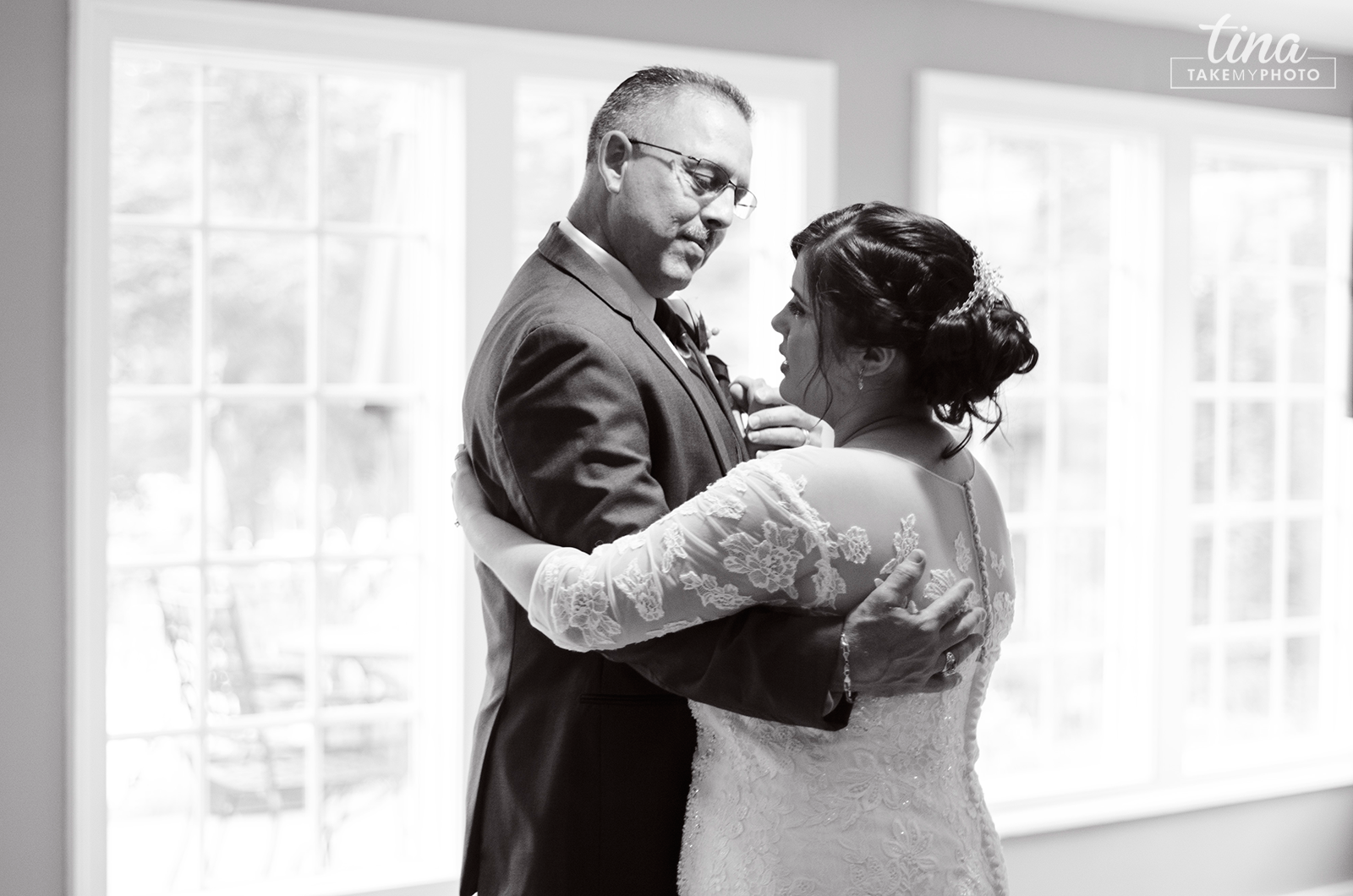 wedding-photographer-father-daughter-dance-summer-brandermill-country-club-virginia