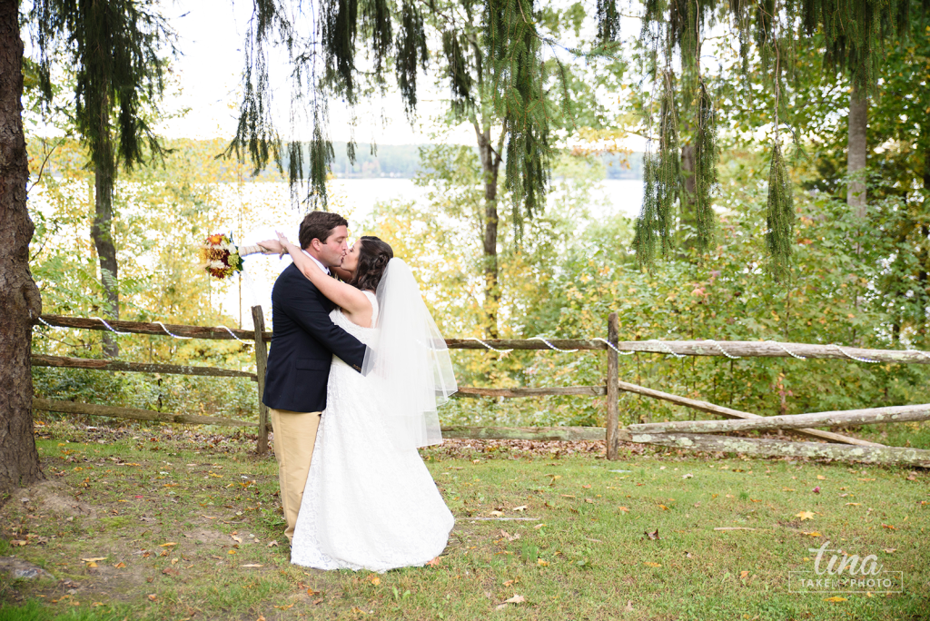 Richmond-virginia-wedding-photographer-tina-take-my-photo-midlothian-celebrations-reservoir-bride-groom-portrait-waterfront-lake-kiss-weeping-willow-tree