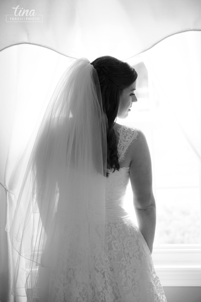 Richmond-virginia-wedding-photographer-tina-take-my-photo-midlothian-fall-celebrations-reservoir-portrait-bride-lace-window-light-natural-classic-black-white