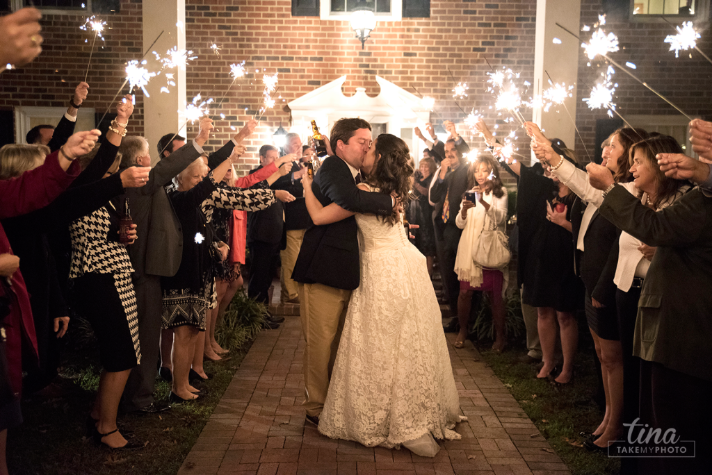 sparkler-exit-pary-night-send-off-kiss-Richmond-virginia-wedding-photographer-tina-take-my-photo-fall-celebrations-reservoir-midlothian