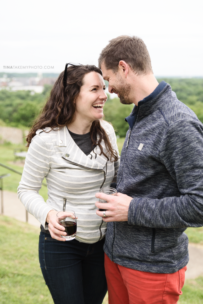 libby-hill-park-richmond-rva-engagement-anniversary-photographer-picnic-wine-dinner-cute-idea-TRT_0397