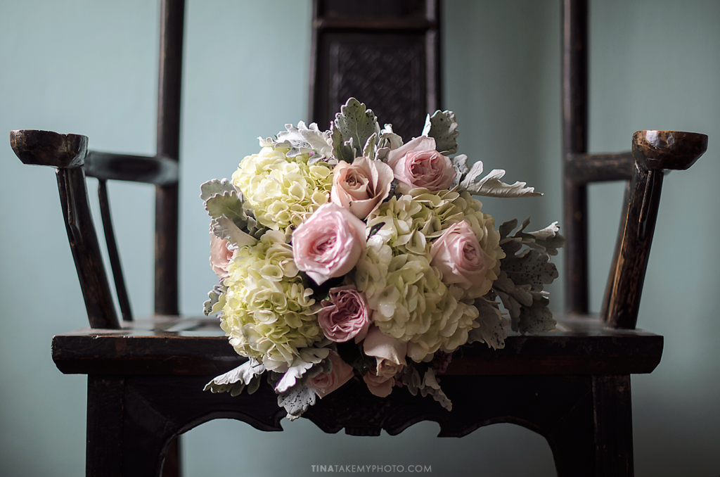 ridge-maryland-md-wedding-photographer-winery-slack-woodlawn-spring-cozy-cottage-manor-house-romantic-details-bouquet-flowers-wood-chair-antique-vintage-dsc_3702