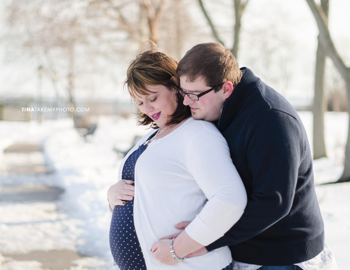 Roberson Winter Maternity Shoot [Maryland & Virginia Family Photographer]